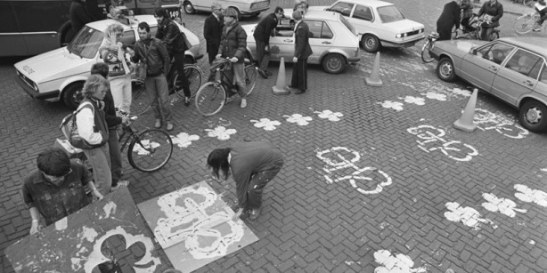 Painting cycle lanes, Amsterdam 1980