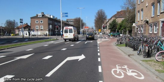 Standard Dutch turning lane / bike lane design