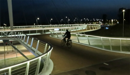 hovenring-night