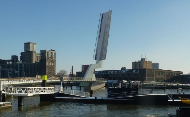 Rijnhavenbrug opened