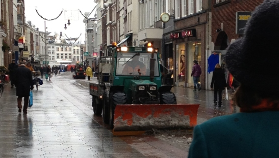 pavement gritting