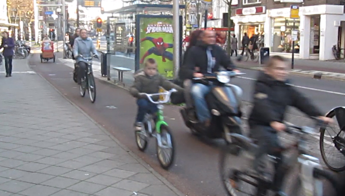 light-moped-cycle-path