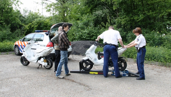 The Moped Menace in the Netherlands | BICYCLE DUTCH