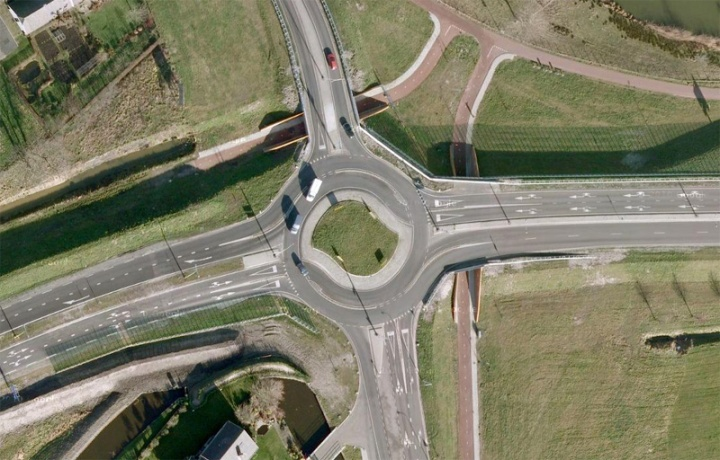 small turbo-roundabout