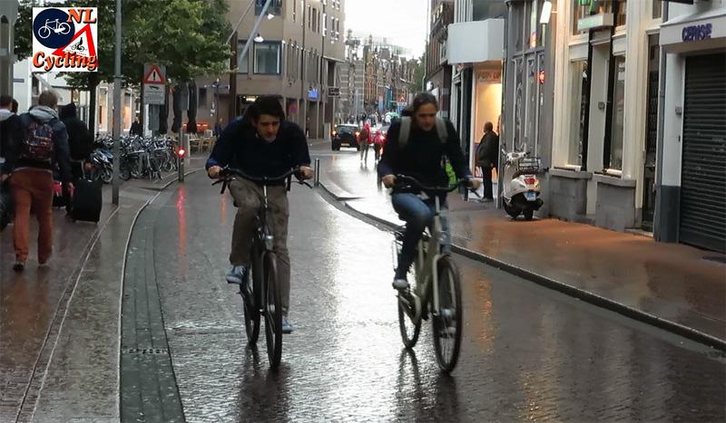 cycling in the rain bicycle dutch