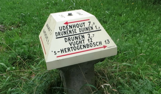 There are even more direct routes to the (Loonse and) Drunense Duinen from 's-Hertogenbosch. Apparently it can be as short as 14.4 kilometres!