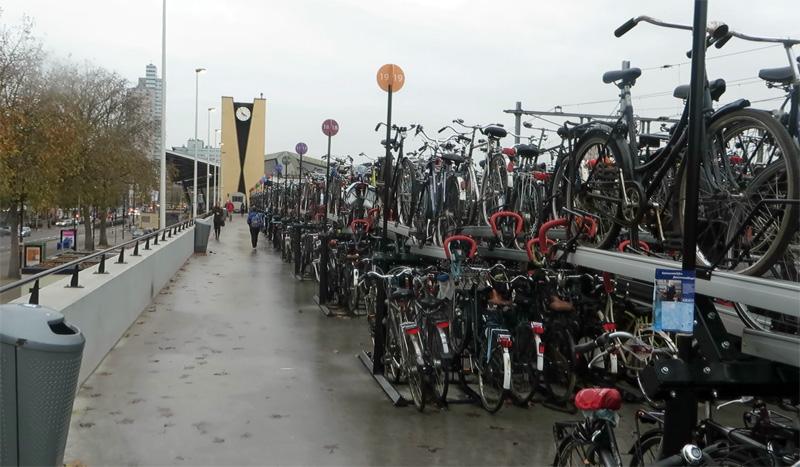 tilburg-central-station-2014