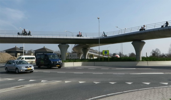 cycle-viaduct-rosmalen1