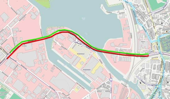 The cycle routes alongside of the main road. The red and the green line represent the routes shown in the videos.