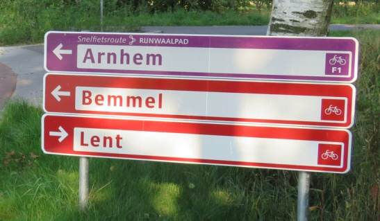 Road sign on the Rijnwaalpad, the high speed cycle route from Nijmegen to Arnhem that I will cover in an upcoming post.
