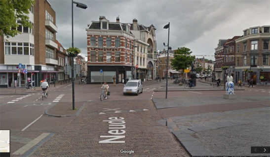 Neude today. People are the main users of the public space again, not motor traffic. (Google StreetView)