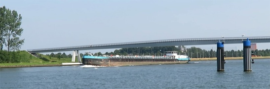 The wide new cycle bridge across the Amsterdam - Rhine Canal at Nieuwegein.