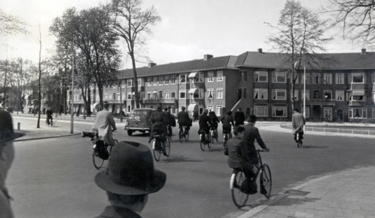 Vondellaan at the time the bicycle was still king in The Netherlands; the 1950s