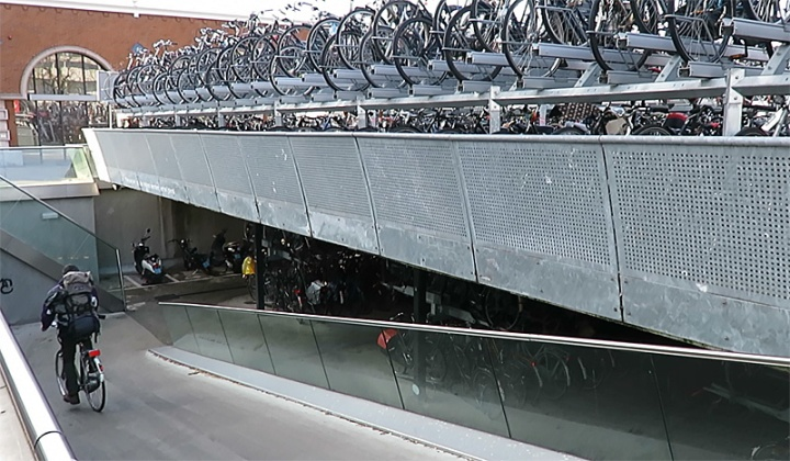 The parking deck near the main railway station of Nijmegen is but one of several parking facilities.