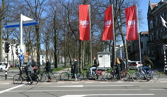 People queing up for a traffic light in Utrecht. This intersection is up for a complete makeover later this year.