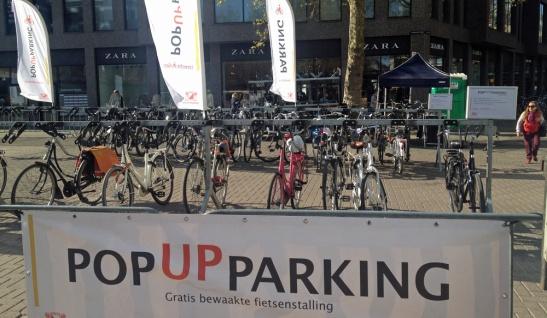 Pop-up bicycle parking on Vredenburg in Utrecht.