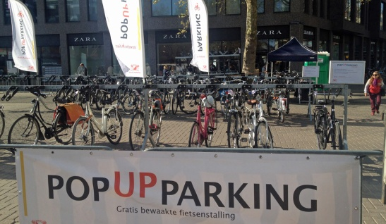 Pop-up bicycle parking on Vredenburg in Utrecht.