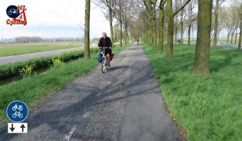 The cycle route from 's-Hertogenbosch to Zaltbommel, here in the municipality of Maasdriel.