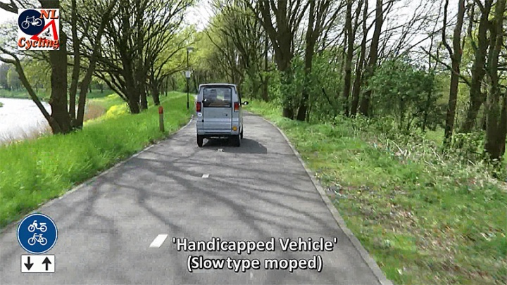 This mobility scooter is allowed on the cycleway, because it is considered to be a slow-type moped. (See the regulations in an earlier post.) The width of the cycleway does make that possible and when someone with a handicap uses it, most people aren't annoyed by these vehicles. There is a tendency, however, that these vehicles are used by people who are not handicapped at all. Especially in Amsterdam that is becoming a problem, on the paths, as well as on the sidewalks, where they are parked and blocking the way for pedestrians.