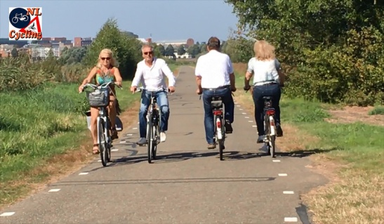 The recreational cycleways are wide enough to pass even when you cycle side by side.