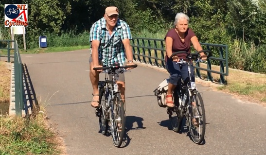 Some of the elderly couples were of the more sportive kind.