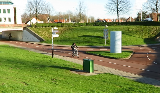 The bottom of the roundabout with the cycle T-junction in the centre.