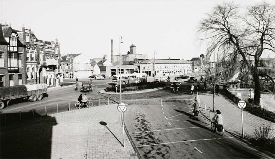 brugplein-1959