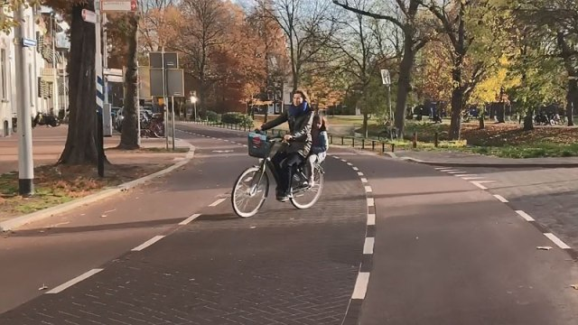 From main road to attractive people's space | BICYCLE DUTCH